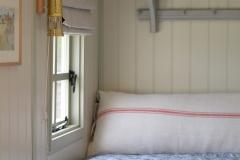 Bed-&-window-detail