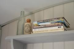 Book-shelf-detail